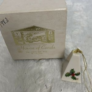 House of Cards 1983 Holly Porcelain Mini Bell Orna